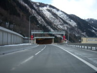 aupload.wikimedia.org_wikipedia_commons_a_a4_A10_Katschbergtunnel_2.JPG