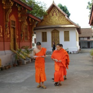 temple-monks
